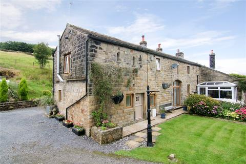 3 bedroom semi-detached house for sale - Hill Houses, Oxenhope, BD22