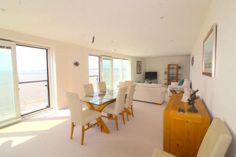 2 bedroom apartment to rent - Meridian Tower, Trawler Road, Swansea
