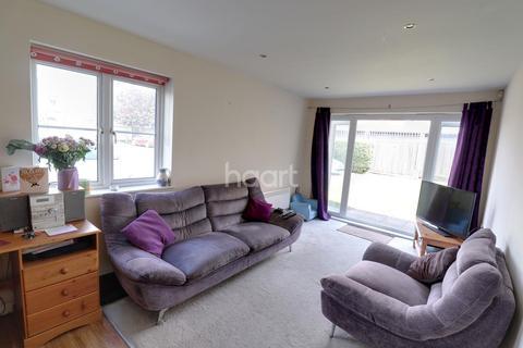 2 bedroom flat for sale - St Davids Court, Ashford