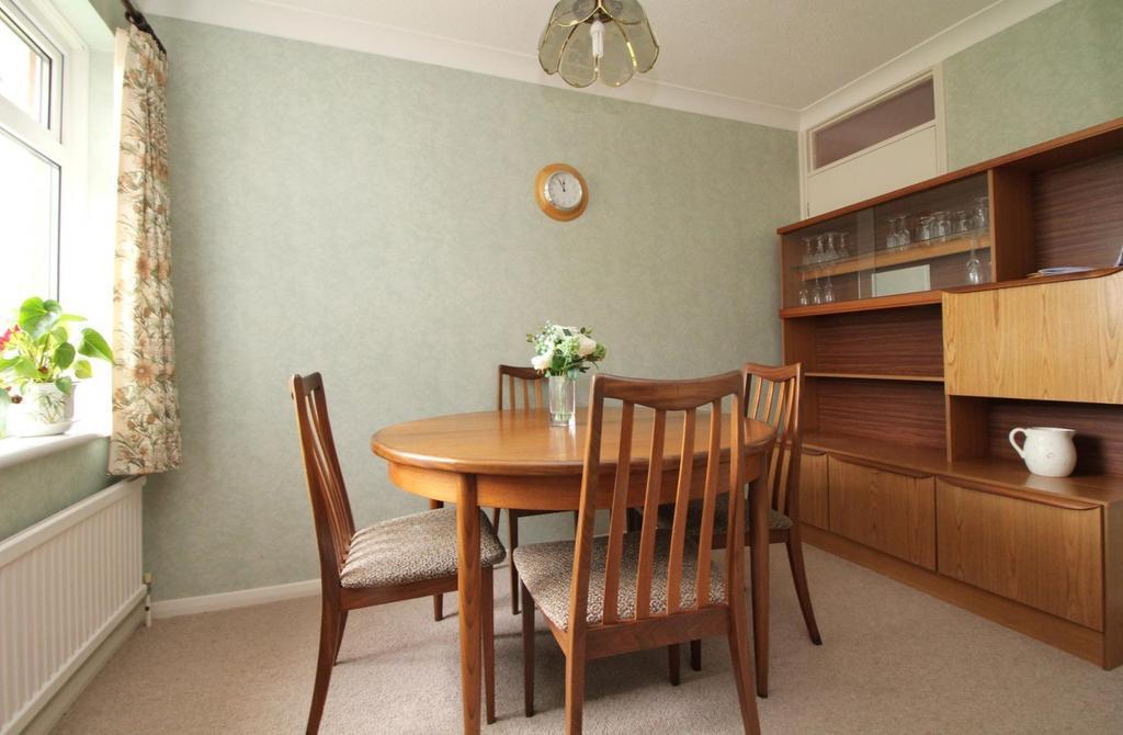 Dining Room/ Bedroom