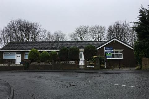 3 bedroom bungalow for sale - Tenfields, Hetton-Le-Hole, Houghton Le Spring, Tyne & Wear, DH5