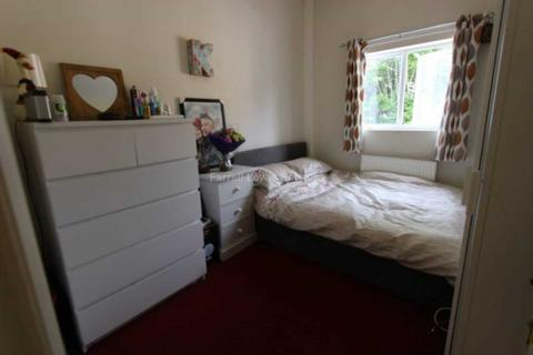 3 bedroom house share to rent - Acton Lane, Chiswick, W4