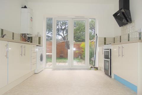 3 bedroom apartment to rent - Willis Road, Swaythling, Southampton SO16