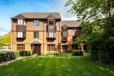 2 bedroom apartment to rent - Foxhills, Woking, GU21