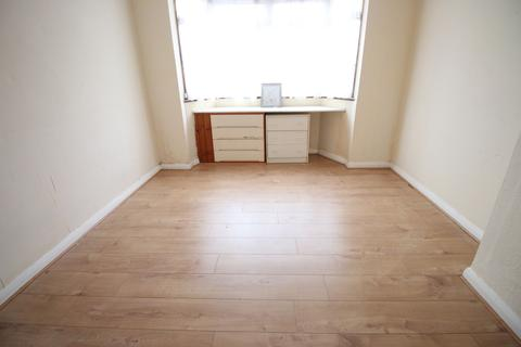 3 bedroom terraced house to rent - Gould Road, FELTHAM, Middlesex, TW14