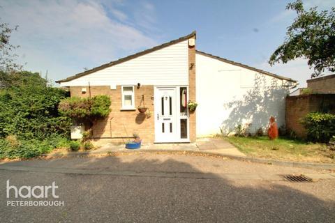 2 bedroom bungalow for sale - Bardney, Peterborough