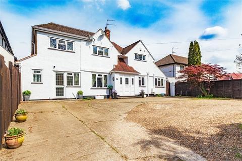6 bedroom detached house to rent - Richings Way, Richings Park, Buckinghamshire