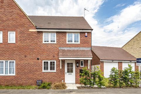3 bedroom semi-detached house for sale - Watchfield