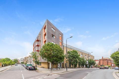 3 bedroom apartment to rent - Park View Court, Devons Road, BowE3