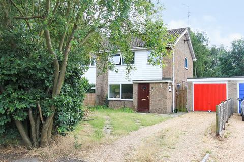 3 bedroom semi-detached house for sale - Thodays Close, Willingham