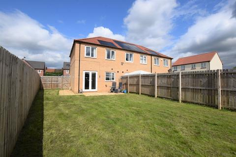 3 bedroom semi-detached house to rent - Oak Tree Mount