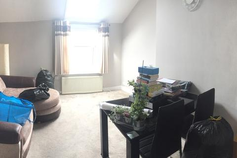 2 bedroom apartment to rent - Hillfield Avenue