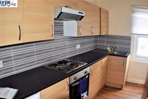 Studio to rent - Bedsit To Let in Croydon