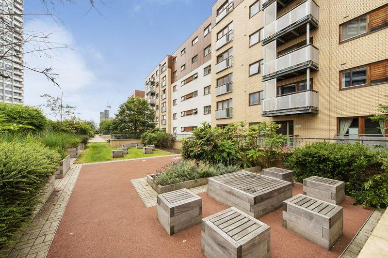 Campbell Road, London E3 1 bed apartment for sale - £339,999