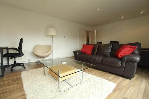 2 bedroom flat to rent - Dempsey Court, Queen's Lane North, AB15