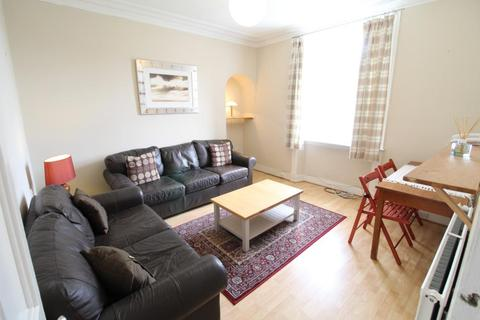 2 bedroom flat to rent - Kintore Place, Second Floor, AB25
