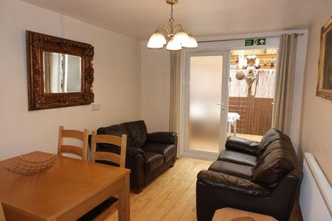 4 bedroom apartment to rent - Faringdon Road, Swindon