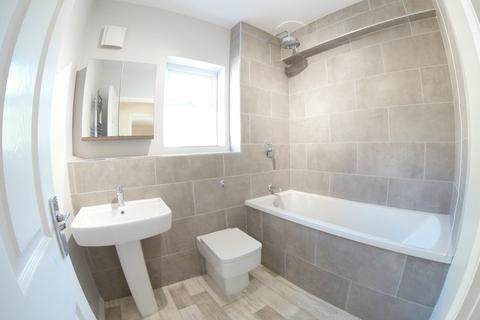 3 bedroom house to rent - Boundary Road, Taplow