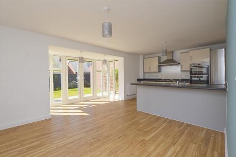 4 bedroom detached house to rent - Jubilee Close, Midsomer Norton, RADSTOCK, BA3