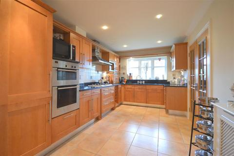 5 bedroom detached house for sale - Starrock Road, Coulsdon