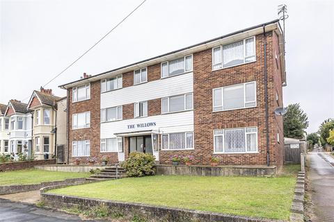 2 bedroom flat for sale - Chichester Road, Seaford