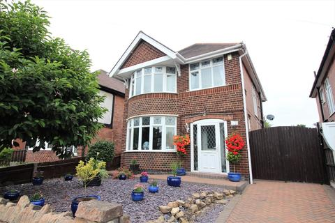 3 bedroom detached house for sale - Wollaton Road, Nottingham, NG8