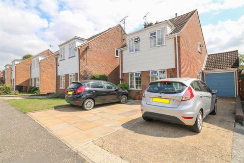 4 bedroom detached house for sale - The Willows, Boreham, Chelmsford