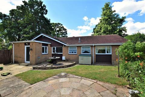 3 bedroom detached bungalow to rent - Peterborough Avenue, Oakham