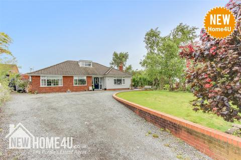 4 bedroom detached bungalow for sale - Chester Road, Buckley