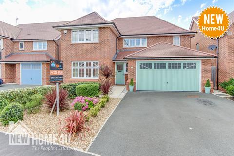 4 bedroom detached house for sale - White Court, Penymynydd, Chester