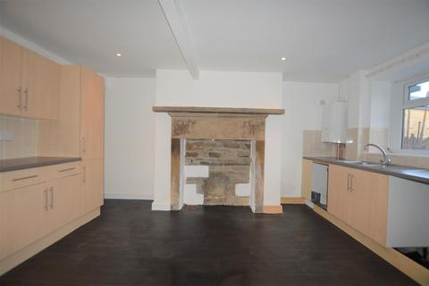 2 bedroom terraced house to rent - Bradford Road, Clayton, Bradford