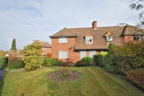3 bedroom semi-detached house for sale - Garvin Avenue, Beaconsfield, HP9