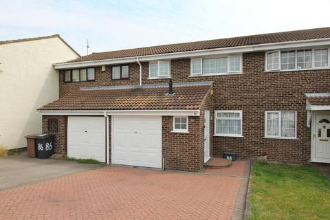 3 bedroom terraced house for sale - Petunia Crescent, Chelmsford, Essex, CM1