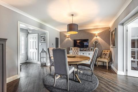 5 bedroom semi-detached house for sale - Barnet Drive, Bromley