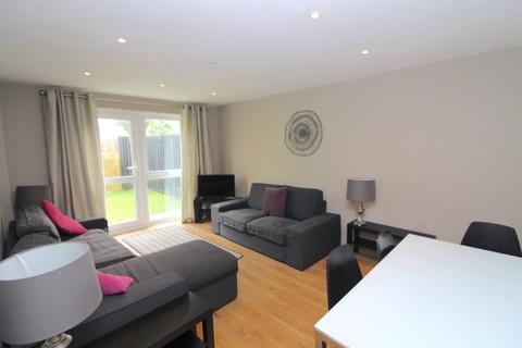 2 bedroom apartment to rent - 10 Highmoor