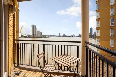 2 bedroom flat for sale - Cape Henry Court, 8 Jamestown Way, Canary Wharf, London, E14