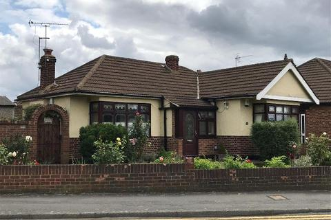 2 bedroom bungalow for sale - Ford Lane, Rainham, Essex, RM13 7AT