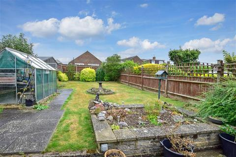 2 bedroom semi-detached bungalow for sale - Bramley Crescent, Bearsted, Maidstone, Kent