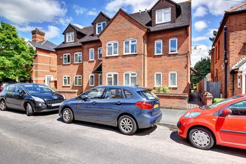 1 bedroom apartment to rent - Glade Road Marlow