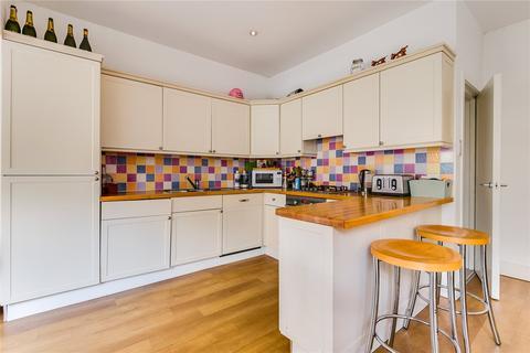 4 bedroom terraced house to rent - Bracken Avenue, London, SW12