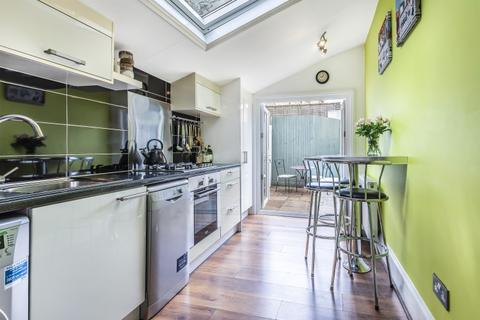 2 bedroom house to rent - Ballater Road Brixton SW2
