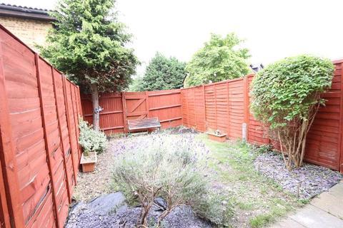 2 bedroom detached house to rent - Ashbourne Road, london CR4