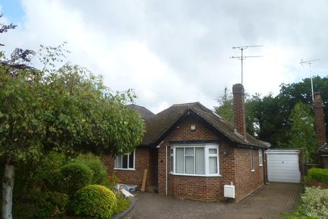 3 bedroom detached bungalow to rent - Redhatch Drive, Earley