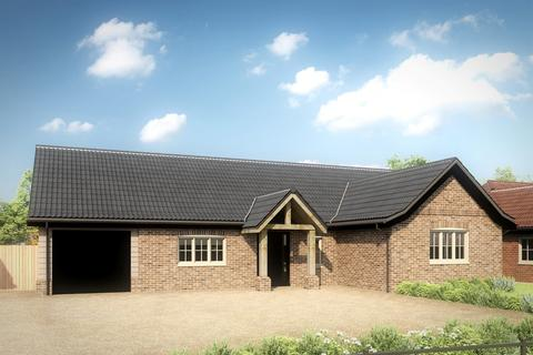 3 bedroom detached bungalow for sale - Whoopers Hollow, Swan Lane, Shipdham