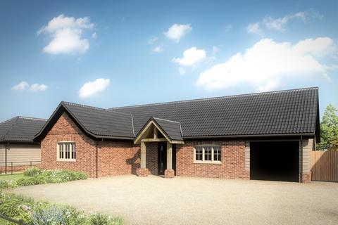 3 bedroom detached bungalow for sale - Shelduck Cottage, Swan Lane, Shipdham