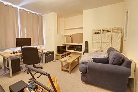 Studio to rent - Wells Road, Bath