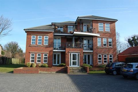 2 bedroom apartment to rent - Aughton Road, Southport