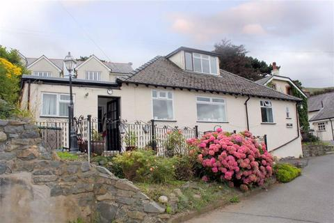 3 bedroom detached bungalow for sale - Conway Road, Penmaenmawr, Conwy