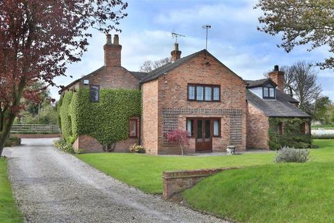 5 bedroom cottage for sale - London Road, Nantwich