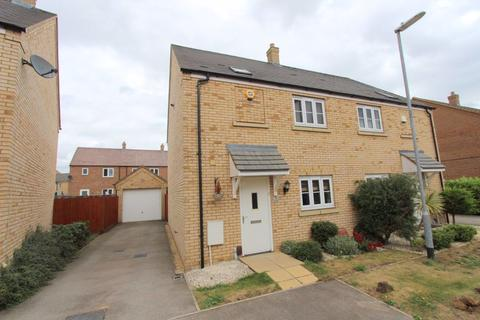 3 bedroom house to rent - Linnet Way, Leighton Buzzard